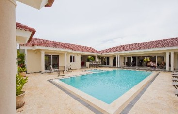 Magnificent 6 bedroom villa for rent