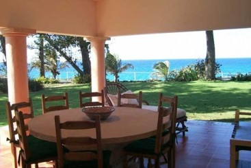 Oceanfront Villa with 9 bedrooms in Sosua