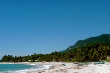 Unique beach property with river access in Barahona