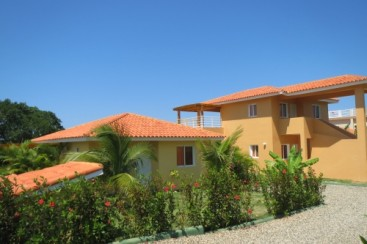 Investment property with excellent rental potential and ocean view