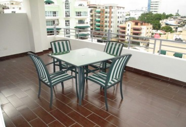 Spacious 3 bedroom duplex condo in Santo Domingo Bella Vista Norte