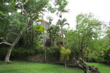 House with large lot and ocean view close to Sosua