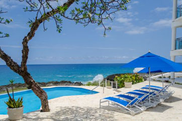 Oceanfront penthouse with three bedrooms for sale in Sosua