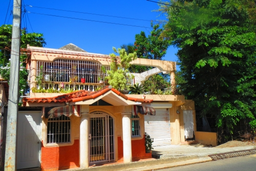 #7 House with 3 Bedrooms and huge workshop in central Sosua