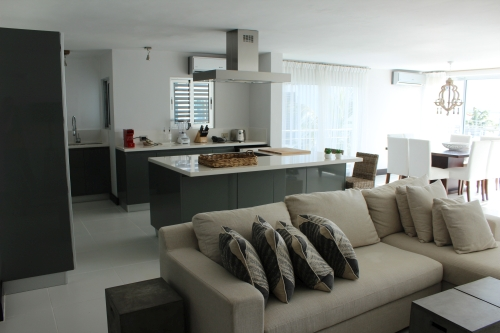 #5 Luxury Modern 3 Bedroom Beach Front Condo with Beach Access