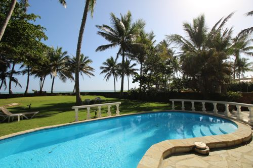 #1 Beachfront house in a gated community greatly reduced