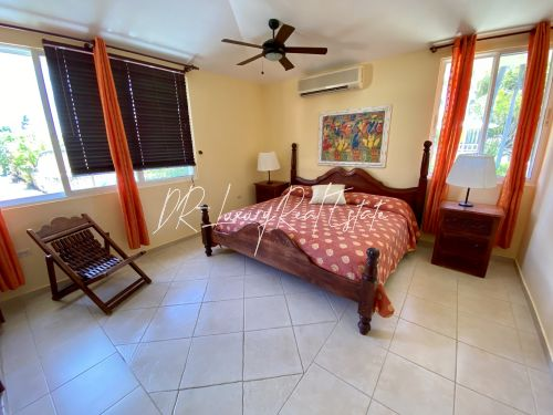 #6 A great income producing waterfront villa with great rental history!