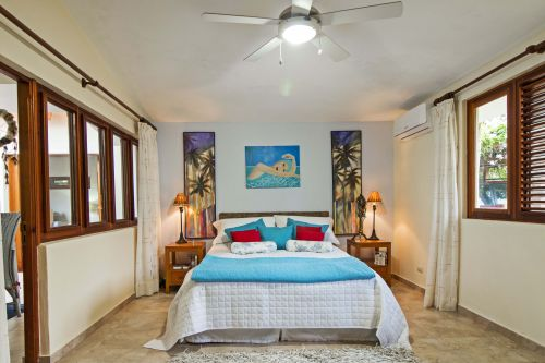 #7 Beautiful Balinese Style Villa with 4 bedrooms