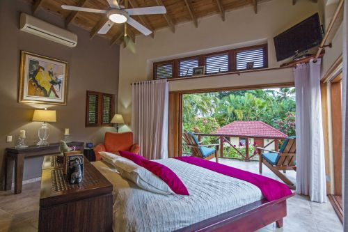#8 Beautiful Balinese Style Villa with 4 bedrooms