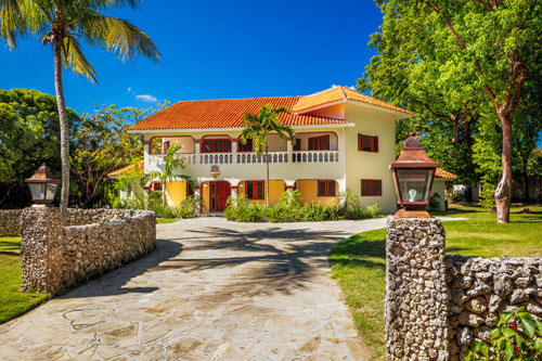 #3 Large family home just a short walk to the Beach