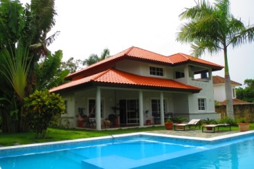 Lovely villa located in a quiet gated community
