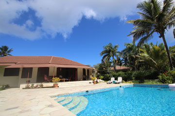 Charming property in select community close to the beach