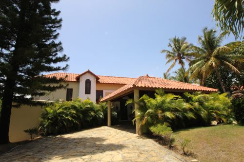#1 Large villa in very secure beachside community