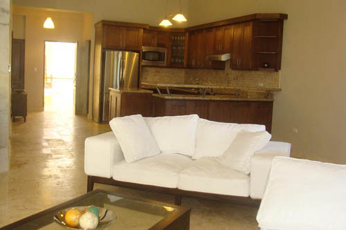 #8 Nice 2 bedroom condo on the beach