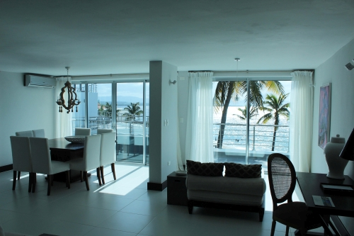 #4 Luxury Modern 3 Bedroom Beach Front Condo with Beach Access