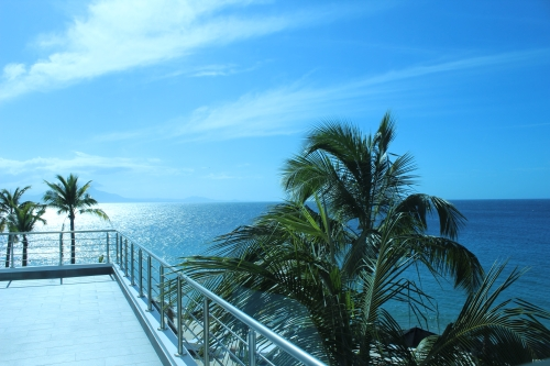 #9 Luxury Modern 3 Bedroom Beach Front Condo with Beach Access