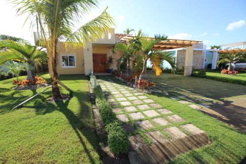 #1 Villa with 3 bedrooms in gated beachfront community