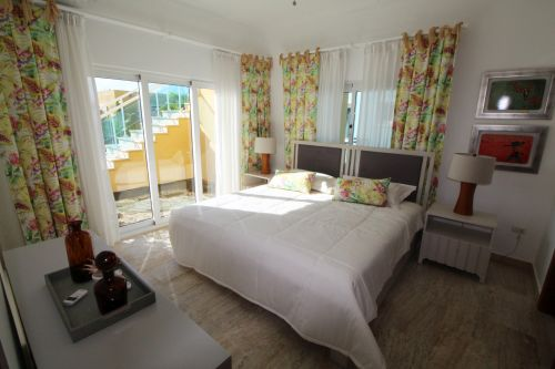 #4 Villa with 3 bedrooms in gated beachfront community