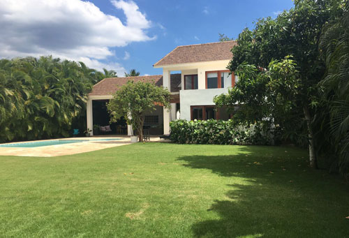 #9 Spacious 4 bedroom villa inside Metro Club Juan Dolio