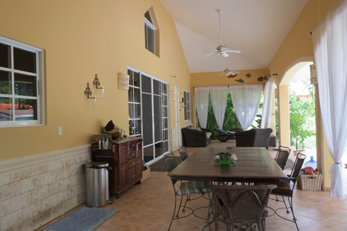 #9 Nice five bedroom villa with guesthouse close to the beach