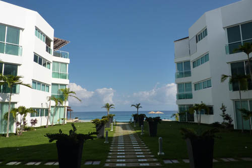 #7 Fabulous two bedroom oceanfront condo
