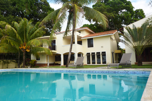 #1 Gorgeous Ocean Front 4 Bedroom Villa with Guest House in Sosua