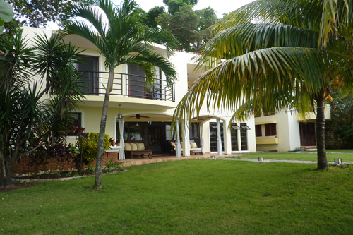 #2 Gorgeous Ocean Front 4 Bedroom Villa with Guest House in Sosua