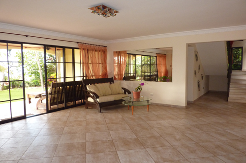 #4 Gorgeous Ocean Front 4 Bedroom Villa with Guest House in Sosua