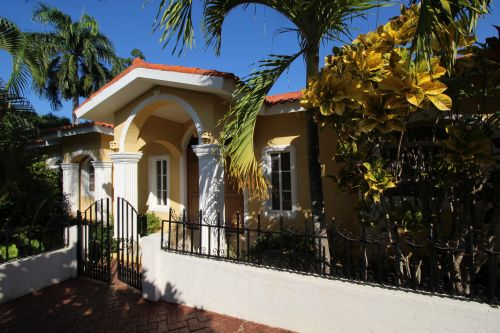 #0 New villa with 3 bedrooms in gated beachfront community