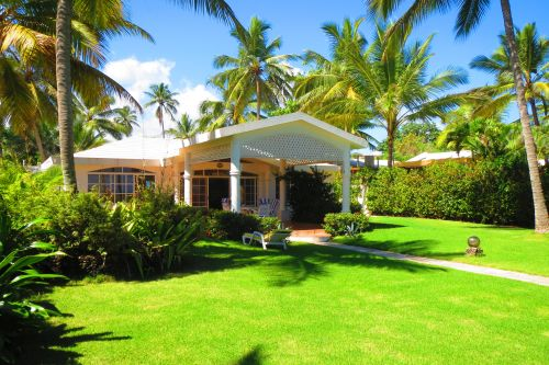 #7 Beachfront villa with separate guesthouse in gated community