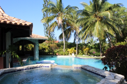 #2 Lovely 4 bedroom villa in popular gated beachside community