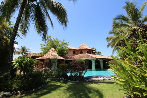 #6 Lovely 4 bedroom villa in popular gated beachside community