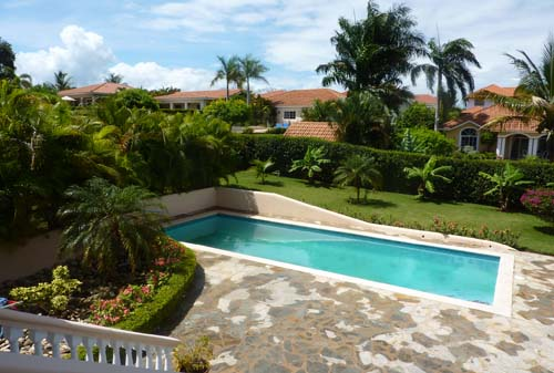 #1 Spacious three bedroom villa with separate apartment in gated community