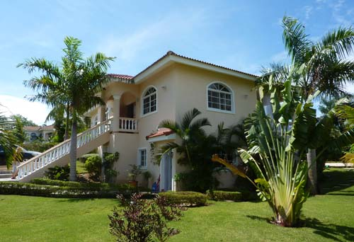 #2 Spacious three bedroom villa with separate apartment in gated community