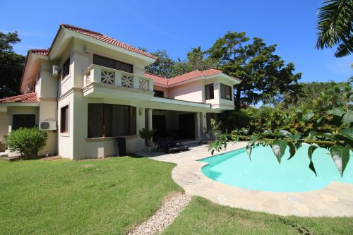 #9 Superb two storey villa with 6 bedrooms close to the beach