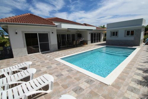 #0 Beautiful villa with 3 bedrooms in gated beachfront community