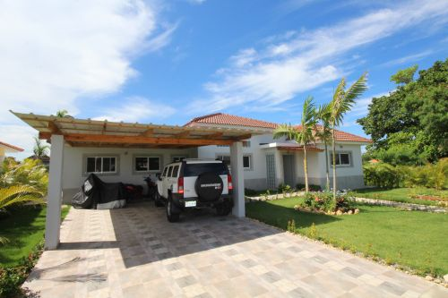 #9 Beautiful villa with 3 bedrooms in gated beachfront community