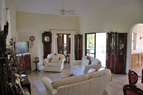 #8 Family Home with 3 Bedrooms and Guesthouse near Cabarete