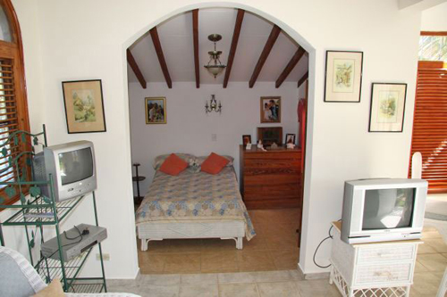 #6 Family Home with 3 Bedrooms and Guesthouse near Cabarete