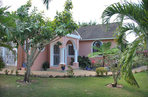 #5 Family Home with 3 Bedrooms and Guesthouse near Cabarete
