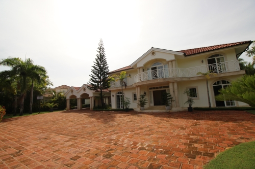 #9 Representative Luxury Mansion with 6 bedrooms