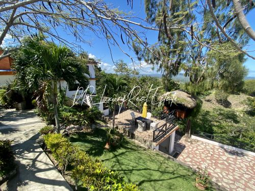 #13 Incredible oceanview villa with guesthouse in idyllic location
