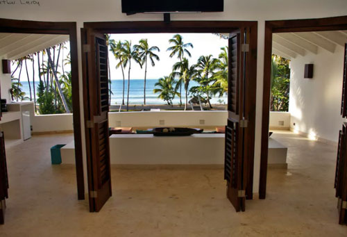 #1 Spectacular 11 bedroom beach front property for sale