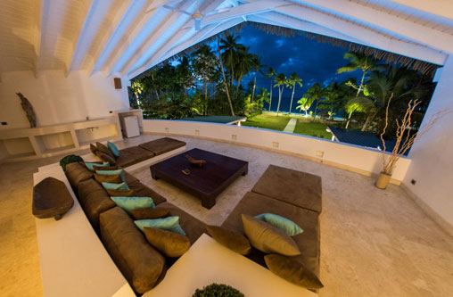 #4 Spectacular 11 bedroom beach front property for sale