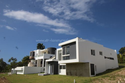 #8 Built to order - Modern villas in new gated community