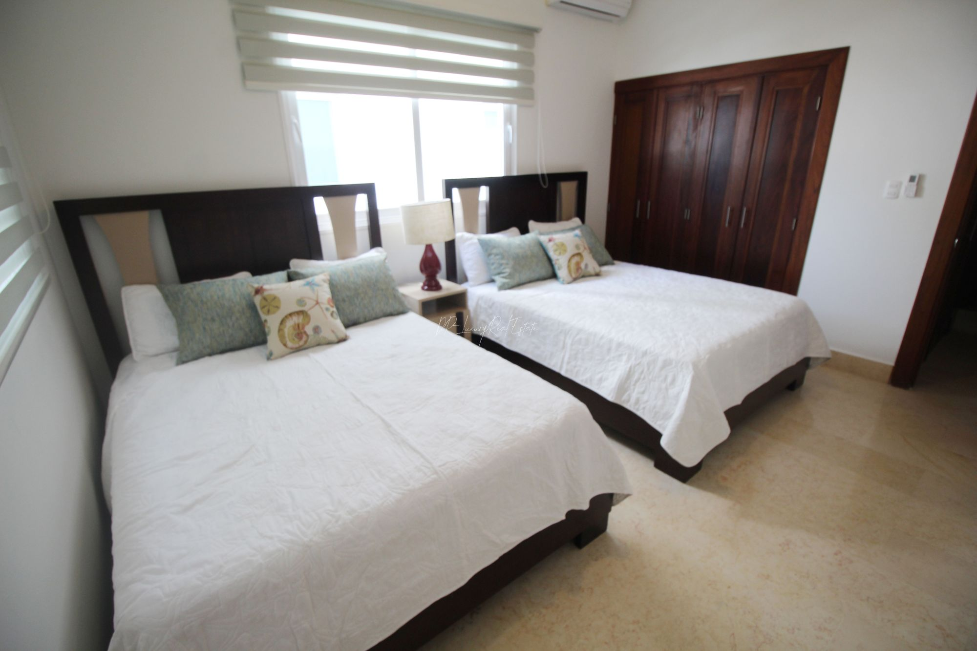 #10 Beautiful modern beachfront condo with 3 bedrooms