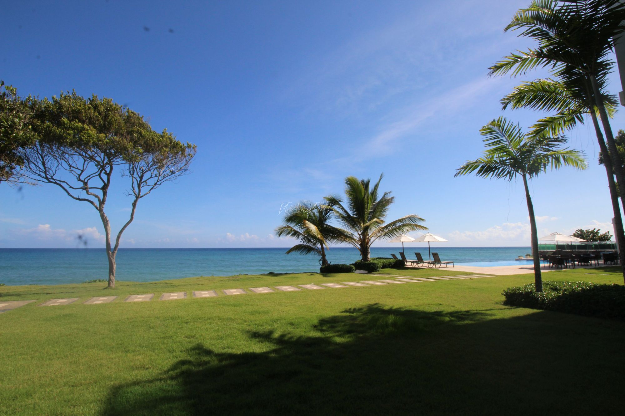 #17 Beautiful modern beachfront condo with 3 bedrooms