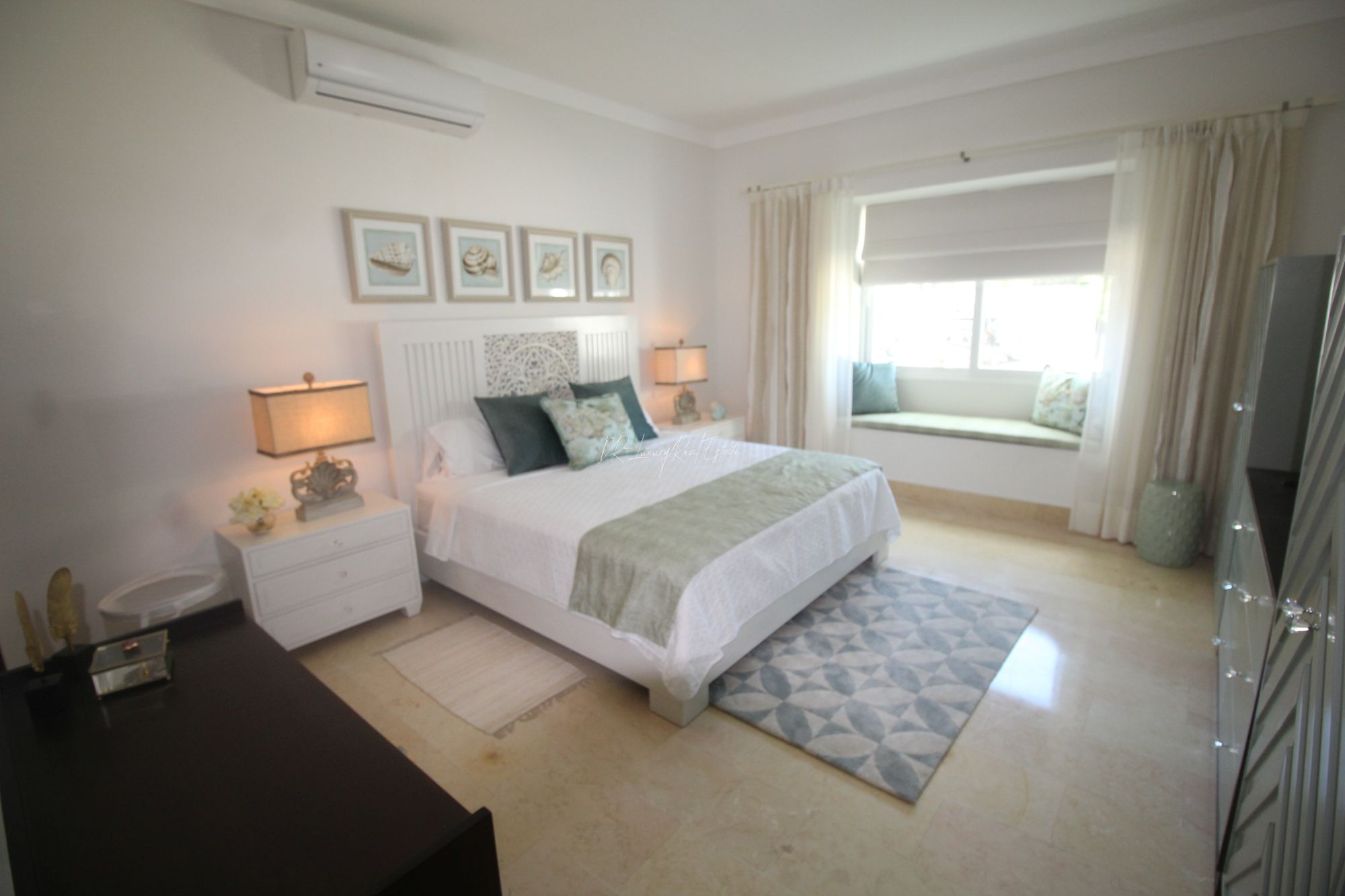#5 Beautiful modern beachfront condo with 3 bedrooms