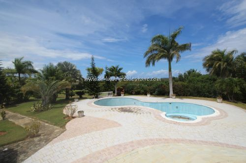 #4 Large villa with ocean view in select community