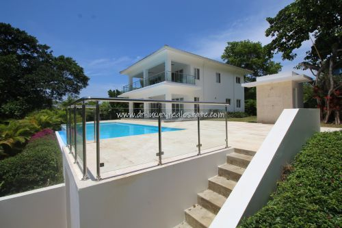 #2 Huge Modern Family Villa with Pool and Ocean view